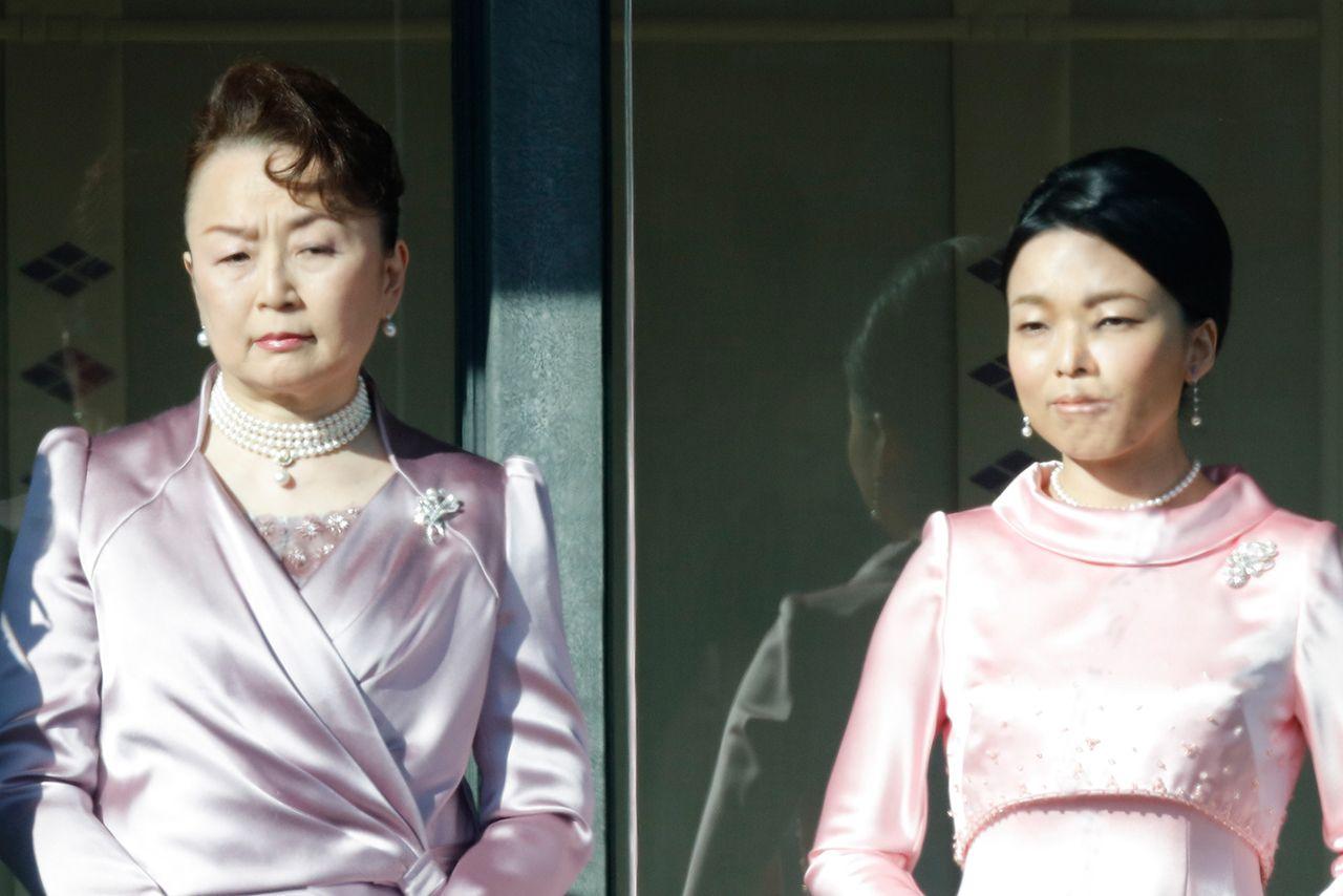 麻生太郎の実家と経歴と愛人は誰?嫁と子供も華麗なる一族だった