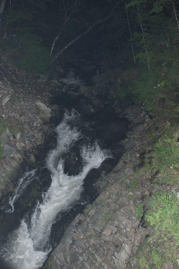 【写真】川の流れは激しく、この日は気温16度だった