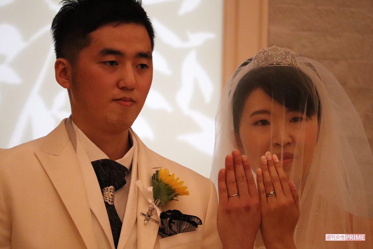 結婚式 賀来 賢人 榮 倉 奈々