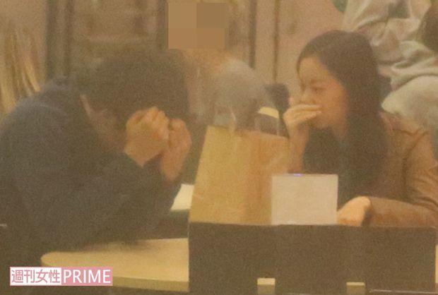 佳子さま、英国キャンパス内で早くも外国人留学生と打ち解けられる