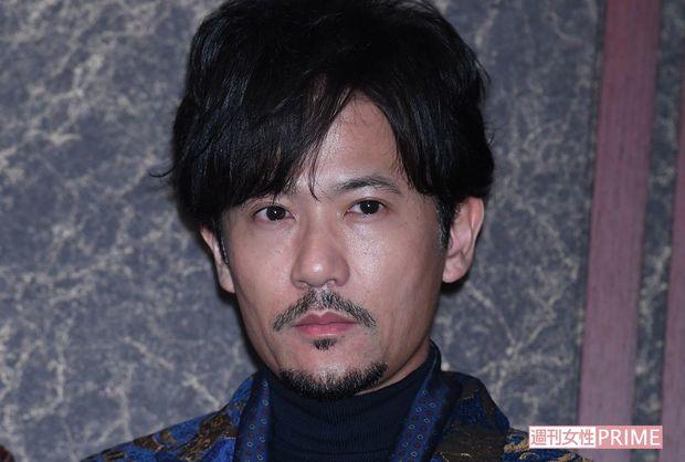 無精ひげの稲垣吾郎