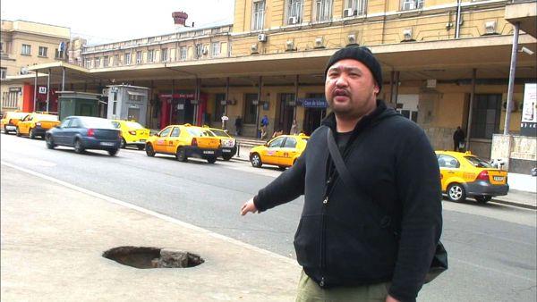 ◆「マンホールタウンに潜入」(放送日:2015年4月16日) 世界中の危険なエリアに足を運び、そこに住む人たちのリアルな生活実態に迫る「危険地帯ジャーナリスト・丸山ゴンザレス」が、ヨーロッパ・ルーマニアにある「マンホールタウン」へ。マンホールの中……、地下で暮らしている人々に果敢に接触し、内部への潜入取材を敢行。そこには、この世のものとは思えない、想像を絶する現実が……。