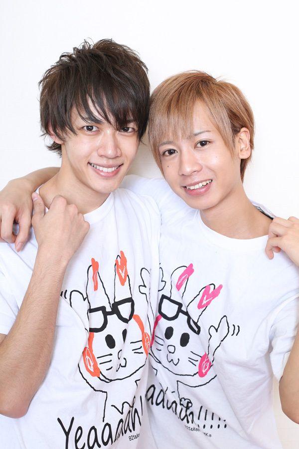 写真:左が志田昂平、右が奥山ピーウィー
