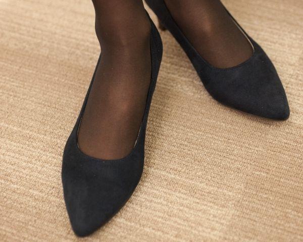 【写真】機能性重視の靴は、千趣会のブランド『ベネビス』で購入