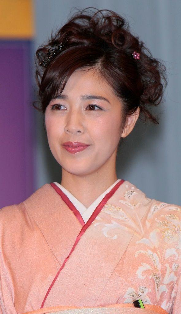 着物を着た菊池桃子