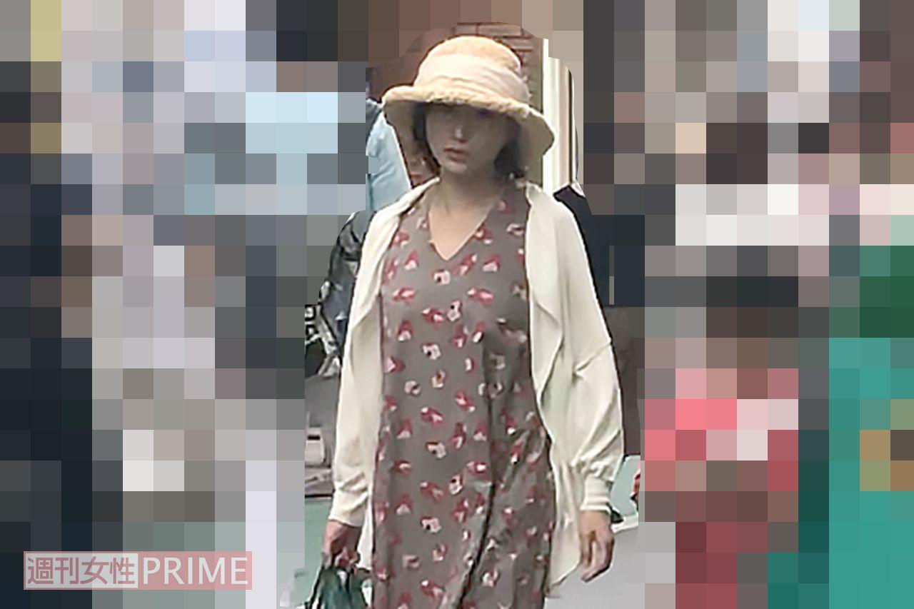 広末涼子、地元商店街で目撃された\u201c蕎麦屋でひとり酒\u201dの素顔
